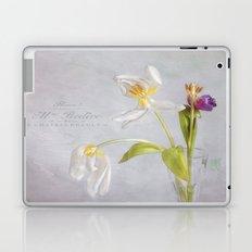 tulips in their prime of life Laptop & iPad Skin