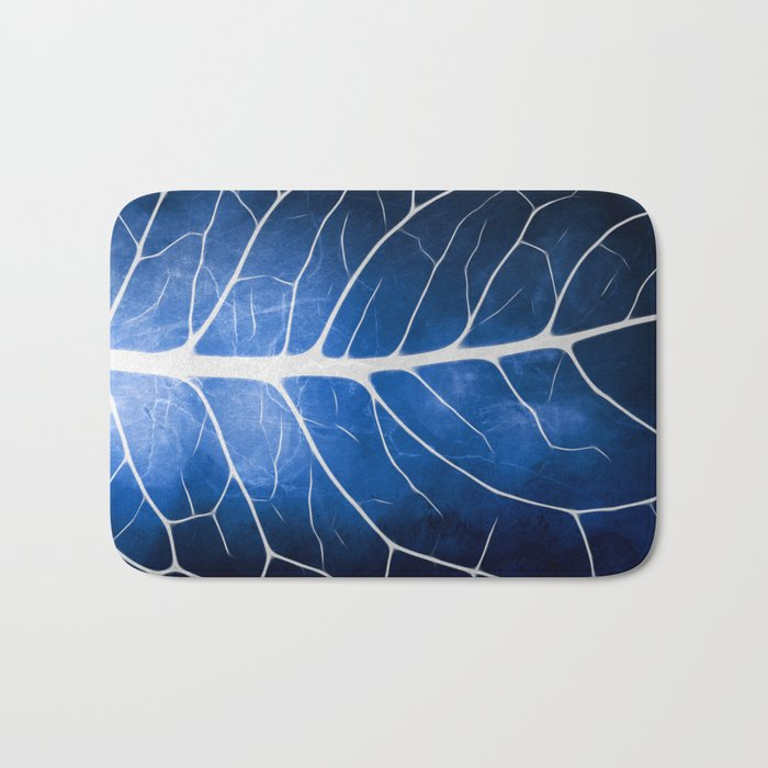 Glowing Grunge Veins Bath Mat