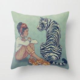 Signe du Tigre Throw Pillow