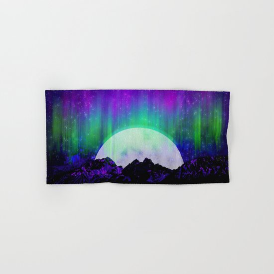 Under the Northern Lights Hand & Bath Towel