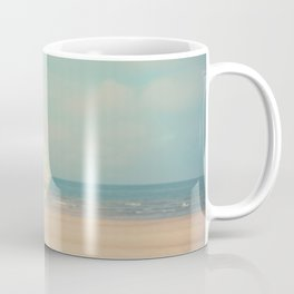 a retro beach umbrella print Coffee Mug