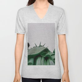 New York City: Statue of Liberty (Color) Unisex V-Neck