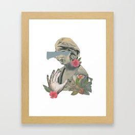 La Perla Spoetizzata Framed Art Print