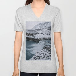 Waterfall in Icelandic highlands during winter with mountain - Landscape Photography Unisex V-Neck
