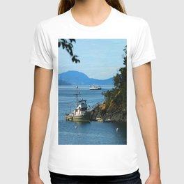 Harbour at Butchart´s Garden T-shirt