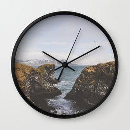 Pathway to the Sea Wall Clock