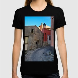Sicilian Medieval Village (The Godfather/1971) T-shirt