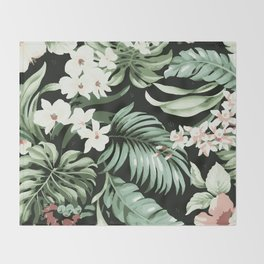 Jungle blush Throw Blanket