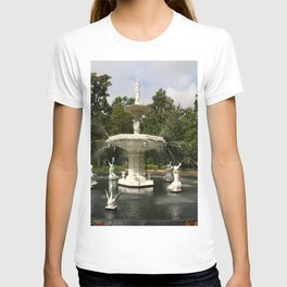 Forsyth Fountain in Forsyth Park T-shirt