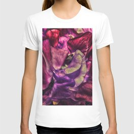 A Vivid Tapestry of Sweetpeas T-shirt