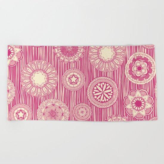 mandala cirque spot pink cream Beach Towel