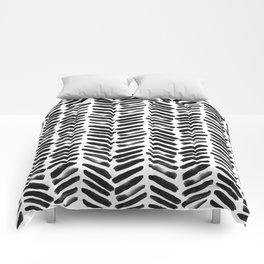 Simple black and white handrawn chevron - horizontal Comforters