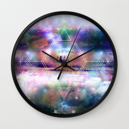 mare plumas Wall Clock