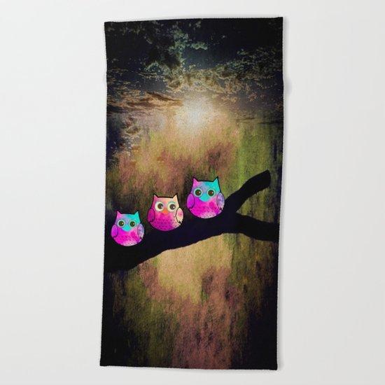 owl-1 Beach Towel