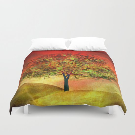 Tree at Sunset Duvet Cover