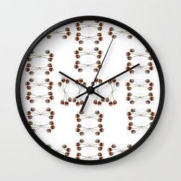 Dentelle aux fuseaux, épingles à tête de corail Wall Clock