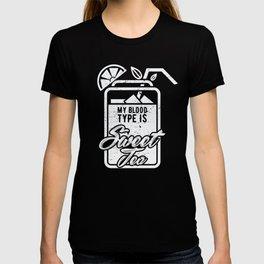 Sweet Tea design | Funny Cocktail Glass Lemon Sugar T-shirt