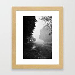Belle brume Framed Art Print