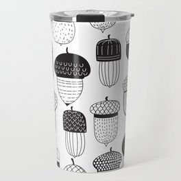 Doodle acorns autumn pattern Travel Mug