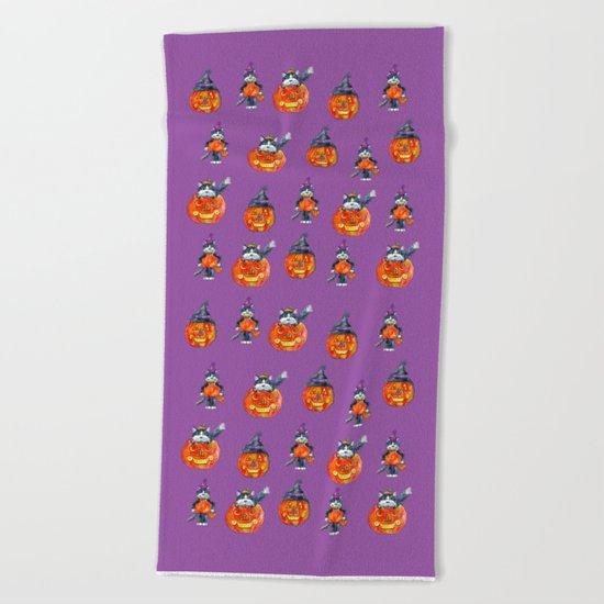 Black Cats and Jack-o-lanterns Beach Towel
