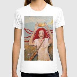 Crowning Herself T-shirt