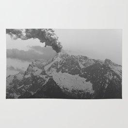 Volcano black and white Rug