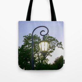 Sunset Lamppost Tote Bag