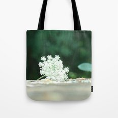 Queen Anne's Lace w/ bokeh Tote Bag