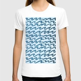 Abstract Metallic Sea Waves Saltwater Taffy Teal on Blue Raspberry T-shirt