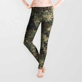 Wolf paw prints camouflage Leggings