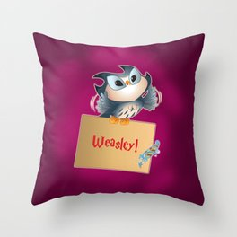 Pigwidgeon a replacement owl Throw Pillow