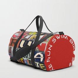 07 SWIM BIKE RUN I am a triathlete (red) Duffle Bag