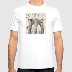Brooklyn Bridge - New York White MEDIUM Mens Fitted Tee