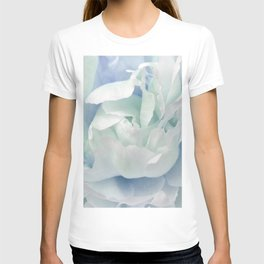 Peony in Blue White T-shirt