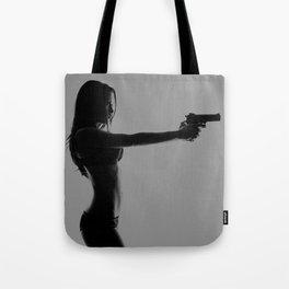 Girls love guns Tote Bag