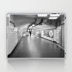 Dans le métro parisien Laptop & iPad Skin