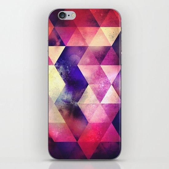 cynnt tyll iPhone & iPod Skin
