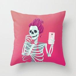 Selfie to the bones Throw Pillow