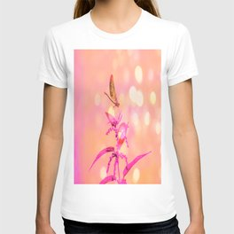 Little Dragonfly in a World of Pinkys T-shirt