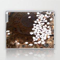 puddle petals Laptop & iPad Skin