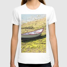 Boat stranded at low tide T-shirt