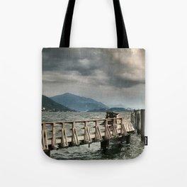 Steg in den Sturm Tote Bag