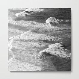 Dramatic Ocean Waves With Foamy Surf Metal Print