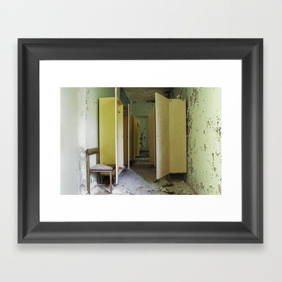 Chernobyl - вбиральня Framed Art Print