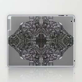 """Tutto sulle mie spalle!"" (0017) Laptop & iPad Skin"