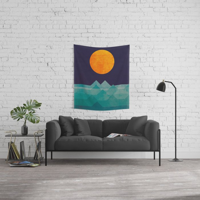 The ocean, the sea, the wave - night scene Wall Tapestry