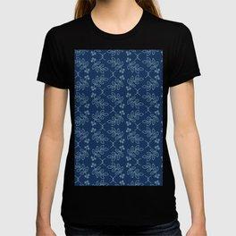 Floral leaf motif sashiko style japanese needlework pattern. T-shirt