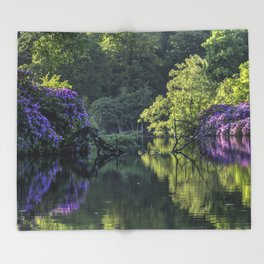 Summer lake reflections Throw Blanket