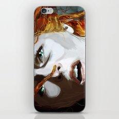 Leeloominaï iPhone & iPod Skin