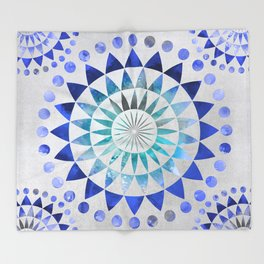 Mandala Pattern blue and turquoise Throw Blanket